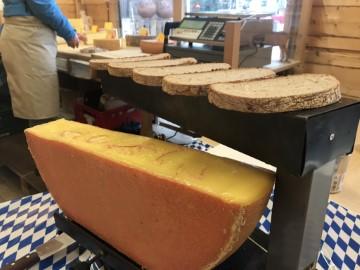 Käseraclet auf Weihnachtsmarkt im Allgäu