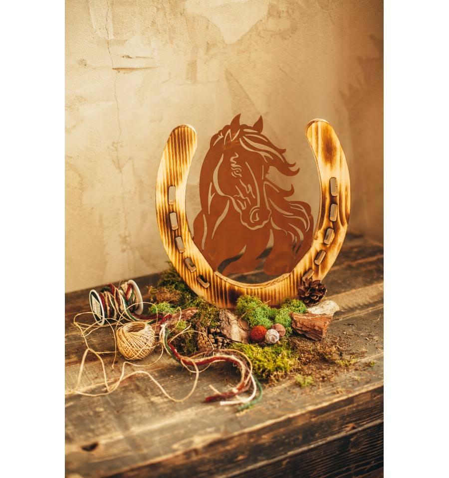 Pferdeportrait mit hufeisen aus holz 31 cm hoch metallmichl - Hufeisen aus holz ...