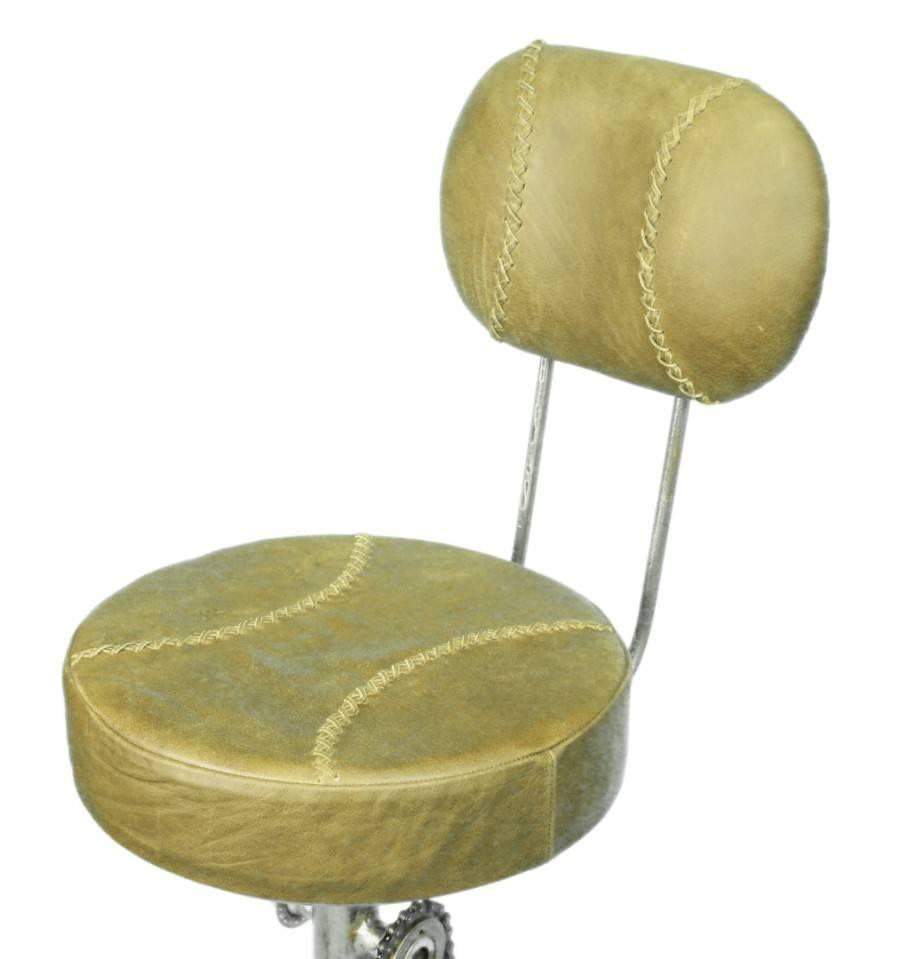Barhocker mit pedal fu st tze und lehne design barhocker for Barhocker 120 cm