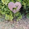 wilder Gartenstecker Herz mit Hirschmotiv in Rostoptik für Ihren Garten