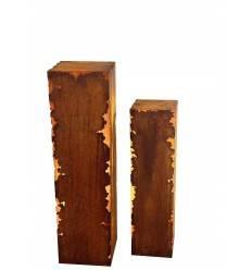 Edelrost Säule 'Gravina'  mit Rissen an den Kanten, eckig, Höhe 100 cm