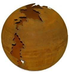 Edelrost Kugel 'Gravina' mit langem Riss oben, unten große Öffnung für Strahler zur Beleuchtung, Ø 50 cm