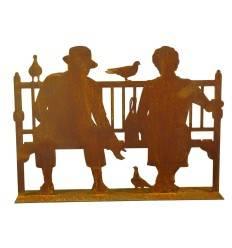 Edelrost Shilouette Paar auf Bank auf Platte, Höhe 25 cm Breite 35 cm