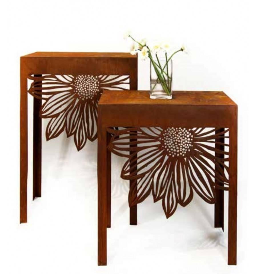 Rost Deko Tisch Gartenmöbel Aus Metall Mit Blumenmuster. Loading Zoom