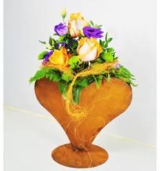 Edelrost Herz zum Bepflanzen breit auf Standplatte Höhe 24 cm Breite 26 cm