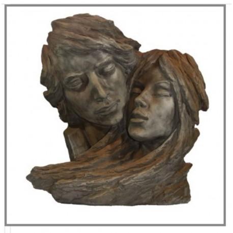 Steinfigur gesichter liebespaar liebe ist mit for Romantische gartendeko