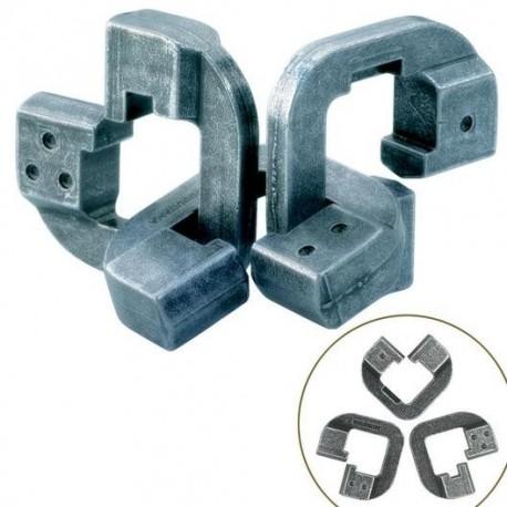 Cast Puzzle Chain