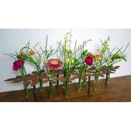 Fühlingsdeko mit Blumen Tischdeko Ständer