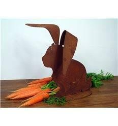 Edelrost Hase mit großen gebogenen Ohren auf Platte 20 cm hoch
