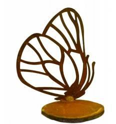 einzelner Schmetterling vorne an Platte geschweißt