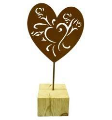 Herz mit Holzbalken