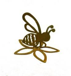 Rost Biene auf offener Blüte sitzend