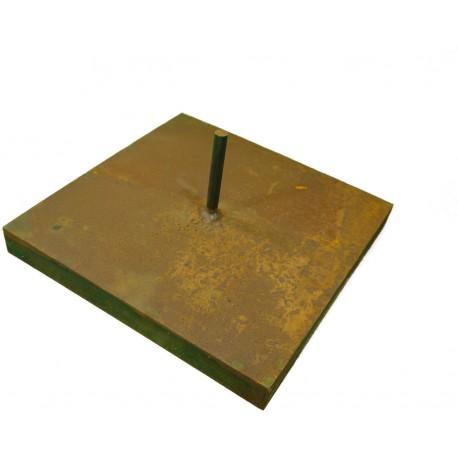 Edelrost Podest 30x30cm mit mittig angeschweißter Stange