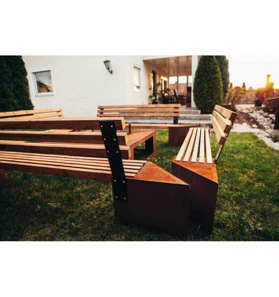 feuerstelle friendship xxl set mit grill und b nken. Black Bedroom Furniture Sets. Home Design Ideas