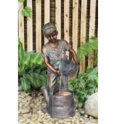 Brunnen Luise, Mädchen im Bronze- Look